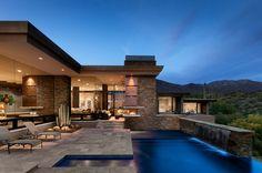 Bellissima piscina dal design moderno n.10
