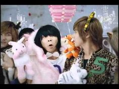 Oh my goodness.  So bizarre and adorable at the same time! Oh DBSK.... ^^