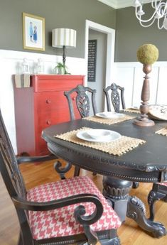 Simple touches for Dining Room Summer Decor Farmhouse Dining Room Table, Dining Room Table Decor, Dining Room Walls, Dining Room Design, Dining Sets, Room Chairs, Interior Room Decoration, Interior Design Living Room, Home Decor