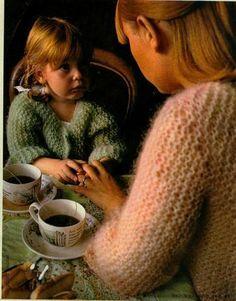 Pull tube 1974 - 100 idées tout le monde avait son pull tube... ma mère m'en avait fait un, il était beige...