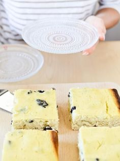 Rahkapiirakka: Finnish Quark Pie, rich and lemony. Healthy Cake, Healthy Desserts, Dessert Recipes, Finland Food, Yummy Treats, Sweet Treats, Finnish Recipes, Scandinavian Food, International Recipes