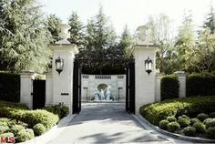 the Fleur de Lys estate, also in Holmby Hills, which returned to the market last year with a $125 million asking price.    Read more: http://www.businessinsider.com/tamara-ecclestone-could-buy-fleur-de-lys-2012-12?op=1#ixzz2FYaDUvzT