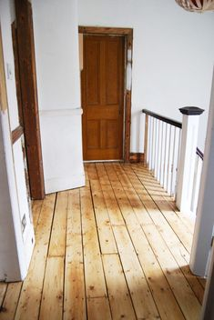 Complete DIY guide to sanding wooden floorboards yourself. Pine Wood Flooring, Hallway Flooring, Pine Floors, Timber Flooring, Diy Flooring, Bedroom Flooring, Hardwood Floors, Reclaimed Hardwood Flooring, Flooring Ideas