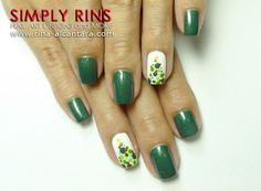 Christmas Tree ala Polka Dots Nail Art Design