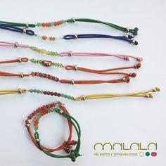 Hoy os presentamos estas #pulseras elásticas, muy veraniegas y coloridas, con diferentes piedras #semipreciosas #handmadejewelry