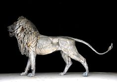 Metal Lion Sculpture by Selçuk Yılmaz  Aslan (Turkish for lion), is an incredible sculpture made out of 4,000 pieces of hammered metal created by Istanbul-based artist Selçuk Yılmaz.