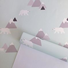 How cute is our Polar Bear wallpaper! Perfect for a nursery! ❤ #removablewallpaper #wallpaper #kidswallpaper #nurserydecor #kidsdecor #interiordesign #polarbear #mintdecor