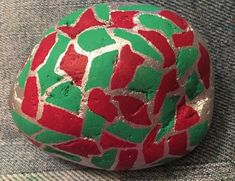 Red and green on silver. Christmas begins! (08/16/2021) Kindness Rocks, Paint Pens, Soccer Ball, Painted Rocks, Concept, Silver Christmas, Rock Painting, Artist, Red
