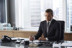 "Pictures & Photos from ""Suits"" Derailed (TV Episode 2015) - IMDb"