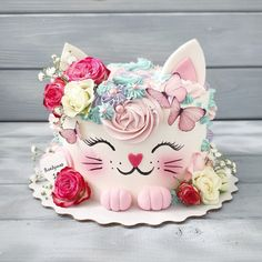 Pretty Cakes, Cute Cakes, Beautiful Cakes, Amazing Cakes, Birthday Cake For Cat, Animal Cakes, Cake Decorating Techniques, Girl Cakes, Love Cake