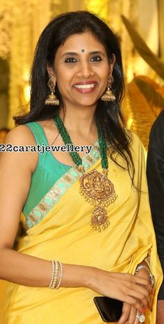 emerald beads multi layers long chain with two step nakshi work Lakshmi pendant Gold Jewellery Design, Bead Jewellery, Temple Jewellery, Emerald Jewelry, Gold Jewelry, Emerald Necklace, Wedding Jewelry, Gold Necklace, Fabric Jewelry