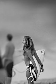 Trendy Photography Girl Sea Surfs Up 51 Ideas Surfs Up, Kitesurfing, Surf Girls, Beach Girls, Surfer Girl Style, Foto Instagram, Beach Photos, White Photography, Summer Vibes