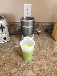 #Breakfast Green Nutriblast (Spinach, Green Apple, Kiwi, Flax Seed, Almonds) via #nutribullet #nutriblast