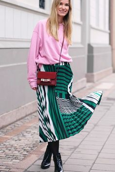 These are the coolest spring outfits. See how our amazing Who What Wear readers are trying out the color-blocking trend.