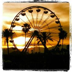Ferris Wheel at Sunset / photo by @hmusa