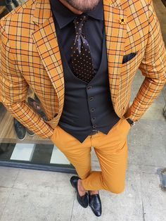 Mustard Yellow Outfit, Yellow Suit, Mens Yellow Pants, Mens Fashion Suits, Mens Suits, Men's Fashion, Tomboy Fashion, Modern Fashion, Checked Suit