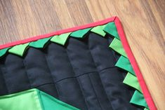 Christmas Wreath Quilt — Crafty Staci Christmas Present Quilt, Christmas Presents, Christmas Wreaths, Quilt Patterns, Sewing Patterns, Half Square Triangles, Squares, Prairie Points, Quilt Blocks