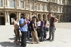 Students of Paris Langues visiting Louvre museum - Etudiants en visite guidée au Louvre