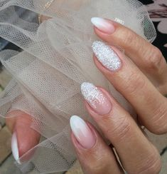 Wedding nails - nails unghie sposa, unghie e unghie gel. French Tip Nail Designs, French Tip Nails, Acrylic Nail Designs, Nail Art Designs, Acrylic Nails, Art Nails, Coffin Nails, Wedding Day Nails, Wedding Nails Design