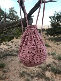 Boho backpack / bucket bag / crochet backpack / crochet bag Source by stepha ., Boho Backpack / Hobo Bag / Crochet Backpack / Crochet Bag Source by stephaniebischof boho bag # crochet backpack. Bag Crochet, Crochet Shell Stitch, Crochet Handbags, Crochet Purses, Crochet Drawstring Bag, Crochet Needles, Crochet Shoes, Crochet Design, Crochet Pattern Free