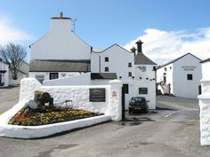 The entrance to the Bowmore distillery.