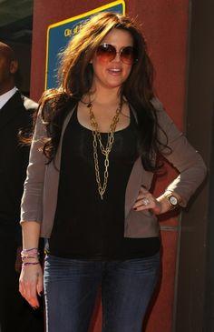 Khloe Kardashian: I think she is GORGEOUS! Super cute outfit too!