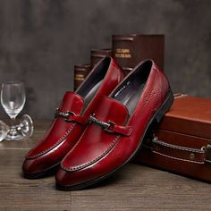 Reddish-brown casual business genuine leather shoes Item Type: Flats Shoe Width: Medium(B,M) Brand Name: None Season: Summer Closure Type: Slip-On Toe Shape: Pointed Toe Insole Material: Rubber Upper