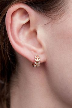 Jewelry Design Earrings, Gold Earrings Designs, Ear Jewelry, Wedding Jewelry, Wedding Rings, Fine Jewelry, Wedding Gold, Gold Jewelry, Jewelry Making