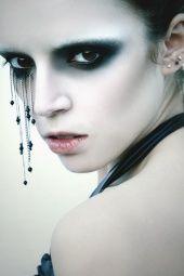Where Professional Models Meet Model Photographers Gothic Makeup, Dark Makeup, Fx Makeup, Fantasy Makeup, Gothic Beauty, Creative Eye Makeup, Beauty Shoot, War Paint, Costume Makeup