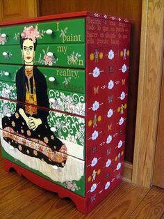 Frida Kahlo dresser!!!!! So awesome for words!
