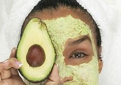 This homemade avocado face mask recipe is sure to moisturize your dry skin this winter. Use this natural face mask recipe to keep your skin from drying out! Homemade Face Moisturizer, Homemade Face Masks, Homemade Skin Care, Homemade Products, Off The Grid, Make Natural, Natural Beauty, Skin Tags Home Remedies, Avocado Face Mask