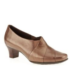 efa90060954 Aravon Women s Elizabeth Slip-On by Shoes Pix