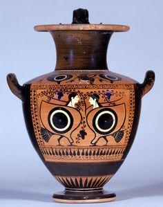 """河島思朗さんのツイート: """"とても技巧的。二人のセイレーンが向き合う。翼の部分が巨大な目になっている。右のセイレーンはヘアバンドをつける。背景はぶどうの木。 紀元前500年頃、ギリシア、 The British Museum https://t.co/jxAX7B5VvR"""""""
