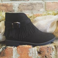 New flat suede Bootie with fringe- $36.95  #madisonsbluebrick #downtownhotsprings #bootie #fringe #winterfashion