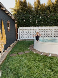 Trend Alert: DIY Cowboy Pools for Your Backyard - Sunset Magazine Backyard Projects, Outdoor Projects, Backyard Patio, Backyard Landscaping, Outdoor Life, Outdoor Fun, Outdoor Living, Oberirdische Pools, Stock Tank Pool