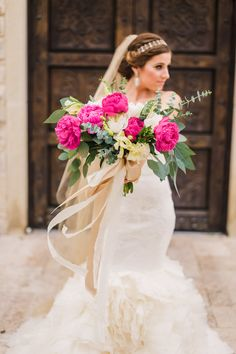 Dallas wedding photographer, Shannon Skloss Photography www.shannonsklossphotography.com #shannonsklossphotography Bella Donna chapel McKinney tx wedding Vera wang lark #verawang