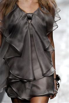 Valentino - Spring Summer 2010 Ready-To-Wear - Shows - Vogue.it