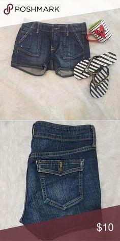 Old Navy Jean Shorts Just like new Old Navy Shorts Jean Shorts