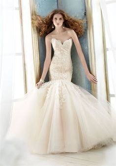 Dream dress...the tulle looks like the bottom of a romantic tutu from ballet...