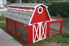 The Knotty Bird Company has been in business for over four years serving all of southern California. Our coops are designed for the urban hen. We strive to build safe, functional, easy to clean coops