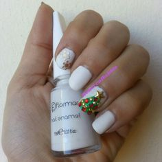 25 Days Of CHRISTMAS Nail Art Challenge at last but not least Day 25: Christmas Tree. Matte and Blinged Christmas Tree using Flormar #400