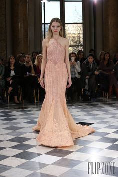 Georges Hobeika Spring-summer 2016 - Couture - http://www.orientpalms.com/Georges-Hobeika-5990
