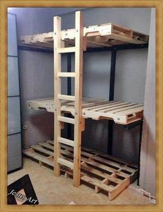 Do you have space problems at your home or in your small apartment? This 3 bunk beds can help you solving any lack of space you may have in one of your house bedrooms. A bunkbed that can be especia...