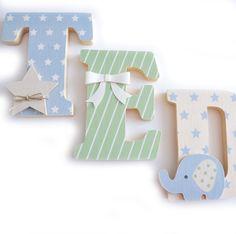 Lettres prénom en Bois et tissu imprimé pour chambre de Garçon motifs : bleu, vert, beige : Autres par ideecreation