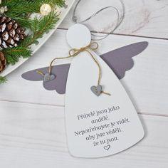 Dřevěný Anděl XXL - Přátelé jsou jako andělé... Baby Room Diy, Angel Crafts, Christmas Crafts, Christmas Ornaments, Old Quilts, Diy Home Crafts, Wood Projects, Gift Wrapping, Place Card Holders