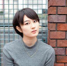 今、注目の女の子を紹介する『anan』で連載中の「イットガール」。今回は女優の高月彩良さんです。