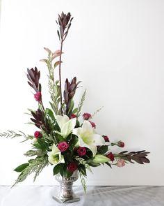 It's at a 90 degree angle picture 3 Valentine Flower Arrangements, Large Flower Arrangements, Ikebana Flower Arrangement, Funeral Flower Arrangements, Vase Arrangements, Altar Flowers, Church Flowers, Funeral Flowers, Deco Floral