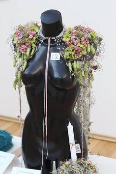 ✿ Riding Helmets, Flower Arrangements, Victoria, Flowers, Floral Arrangements, Royal Icing Flowers, Flower, Florals, Floral