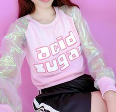 Hologram Stitching Long Sleeve Top