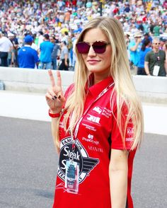 #Indy500 is about to start  #SNSracing by ijustine